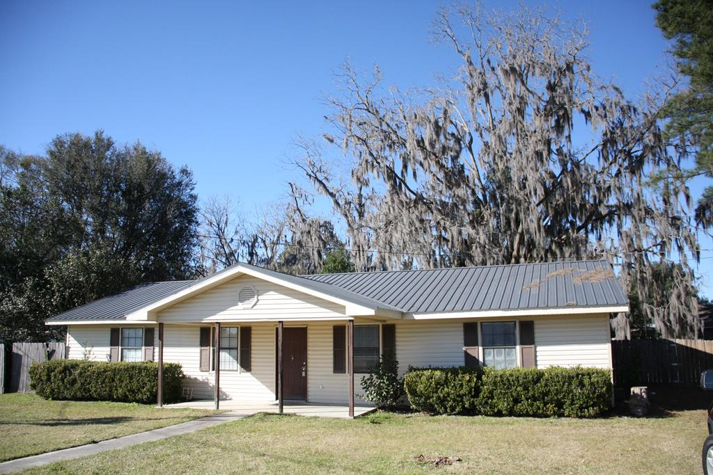 8 Berrien Avenue, Lakeland GA